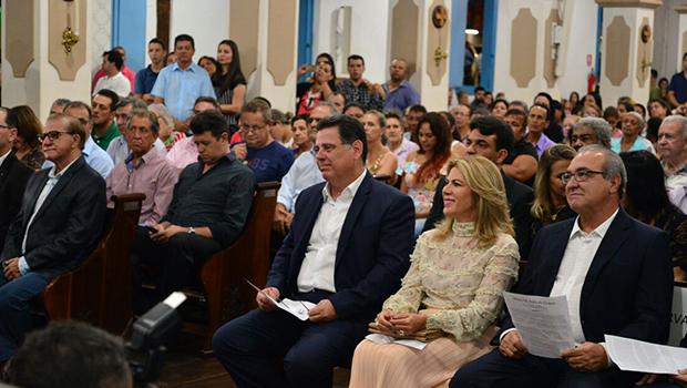 Governador participa de missa em ação de graças por sua trajetória política