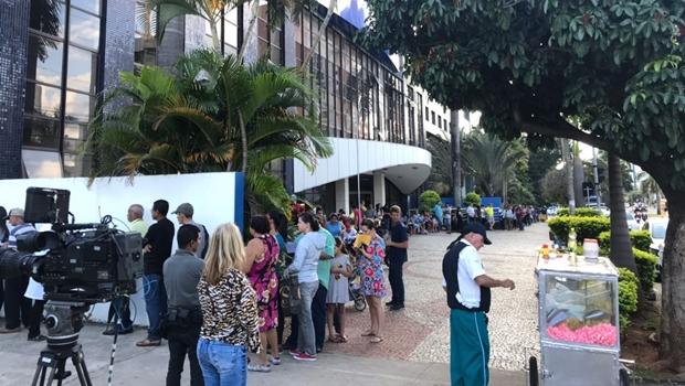 Crianças e gestantes começam a se vacinar contra H1N1 em Goiânia