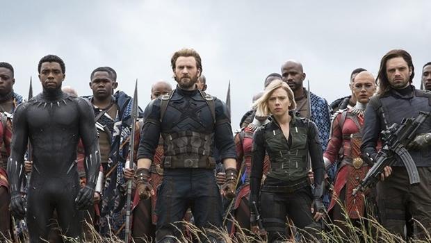 """""""Vingadores: Guerra Infinita"""" deixa público em choque. Veja reações"""
