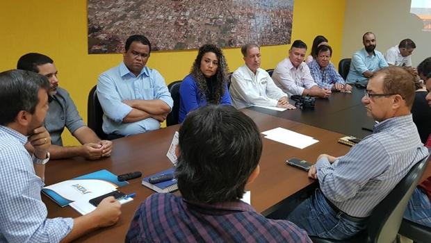 No mês de aniversário de Jataí, prefeito vistoria obras e mostra avanços de sua gestão