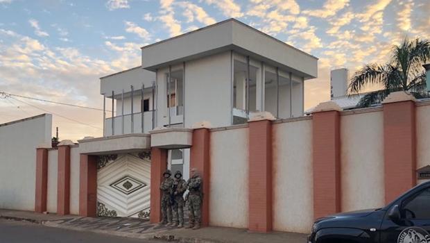 Dois pastores são presos em Goiás suspeitos de aplicar golpe de R$ 15 milhões