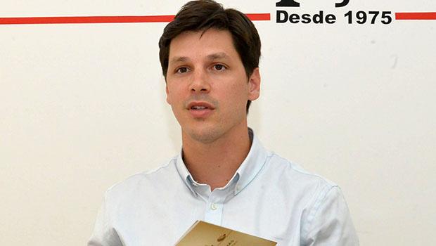 Daniel Vilela afirma que permanece candidato e que não vai compor com Caiado