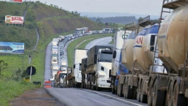 Greve dos caminhoneiros já causa prejuízos milionários ao agronegócio em Goiás