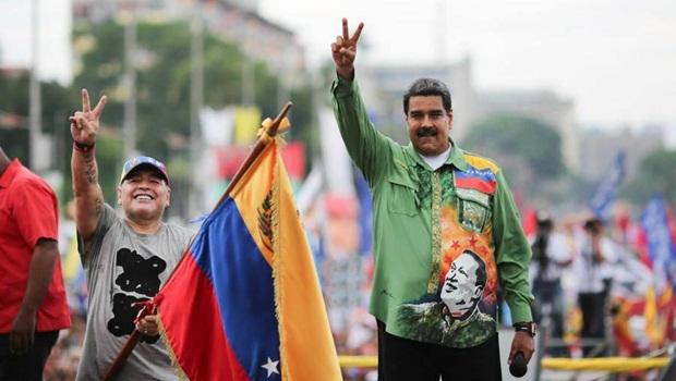 Jogo populista de Nicolás Maduro garante reeleição, mas não futuro da Venezuela