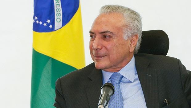 Bolsonaro convida Temer para liderar missão de apoio ao Líbano