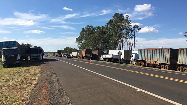 Chegam ao fim pontos de concentração de caminhoneiros em rodovias federais