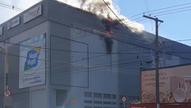 Incêndio atinge restaurante de shopping em Rio Verde