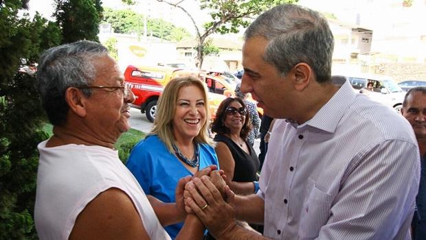 José Eliton recebe homenagem de servidores anistiados da extinta Caixego