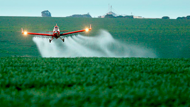 Tecnologia de startup goiana substitui agrotóxico no controle de pragas da lavoura