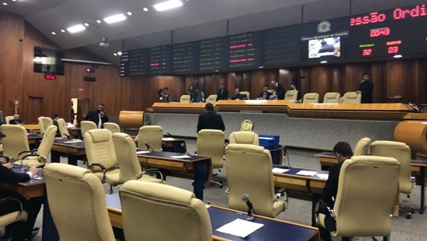 Sem debate, plenário aprova regulamentação fundiária em primeira votação