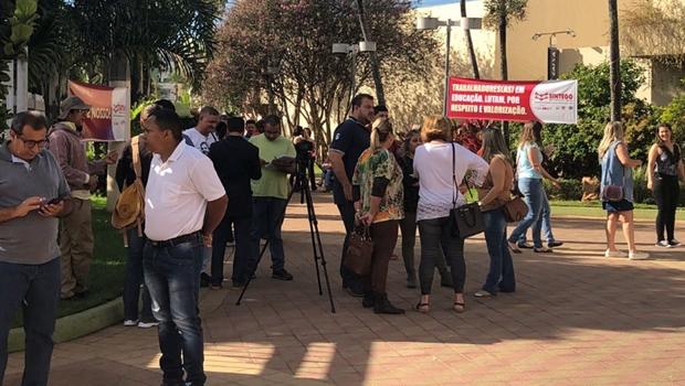 Servidores realizam novo protesto contra gestão Iris e ameaçam greve