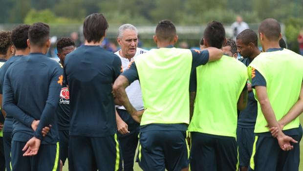 Quais jogadores podem perder posição no time titular do Brasil durante a Copa do Mundo?