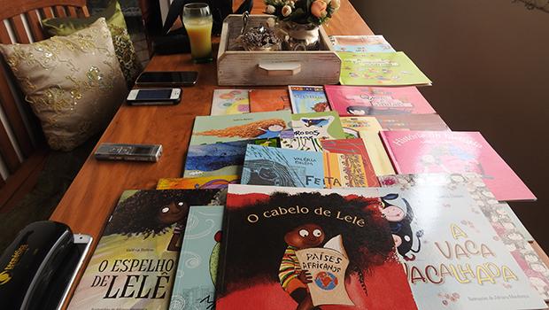 Uma criança é um livro sendo escrito