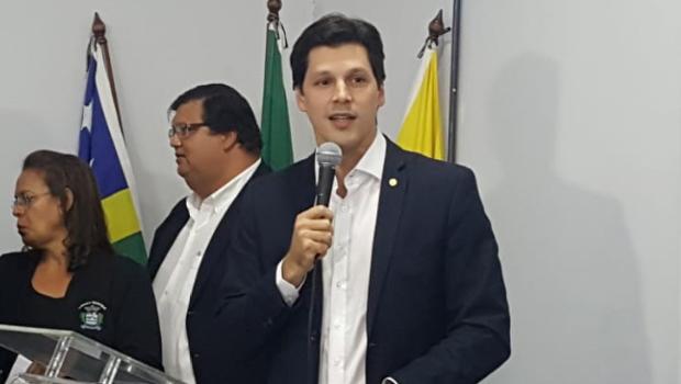 Em debate, Daniel Vilela diz que arrogância vai fazer Caiado perder eleição