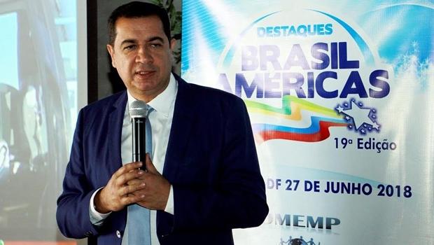 Prefeito de Águas Lindas recebe prêmio Destaques Brasil Américas