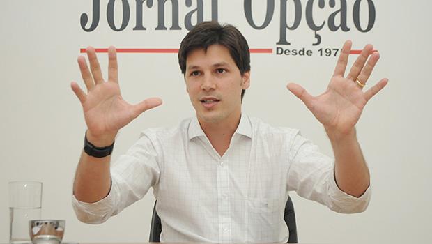PT dança ao pôr faca no pescoço de Daniel Vilela e exigir que apoie candidato a presidente do partido