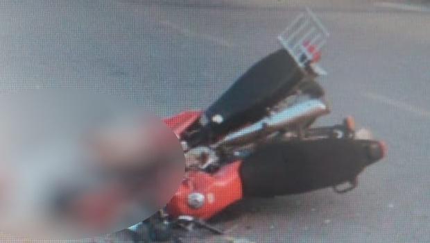 Dois homens morrem após acidente entre motos em Goiânia