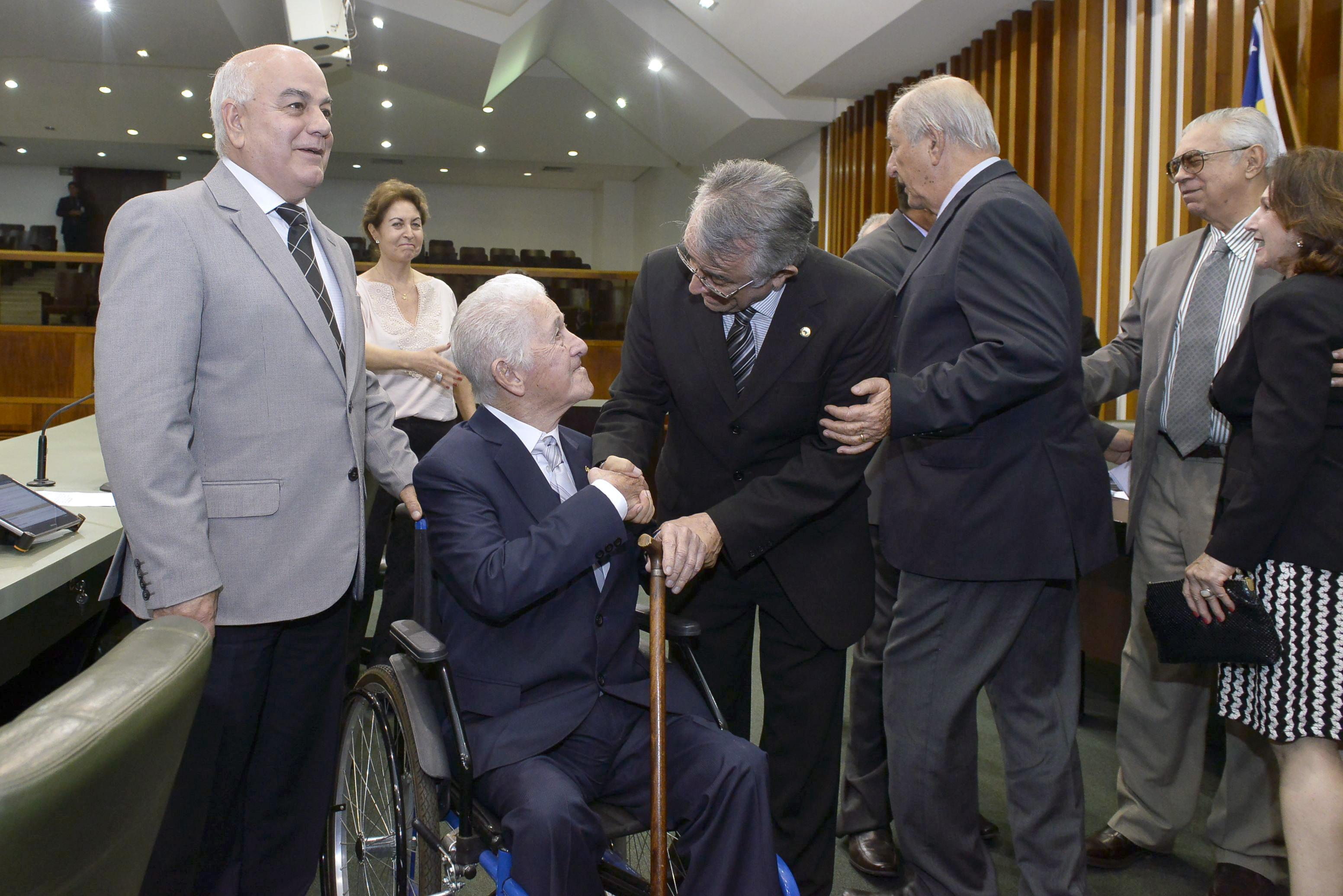 Morre o ex-deputado federal e ex-vice-governador de Goiás Almir Turisco. Tinha 102 anos