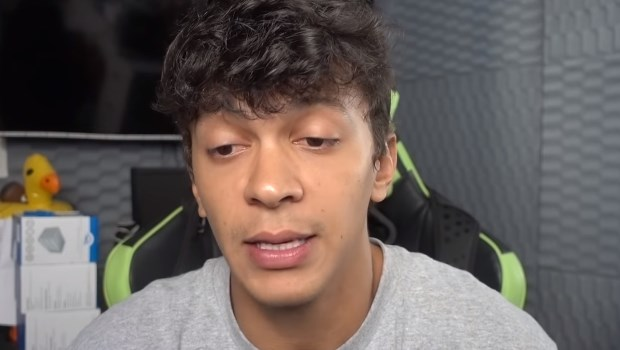 "Youtuber Júlio Cocielo pede desculpa e fala de ""racismo velado"" em vídeo"