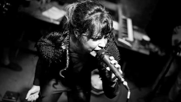 """Grace Carvalho e banda levam """"Seleta Coletiva"""" ao palco do Lowbrow"""