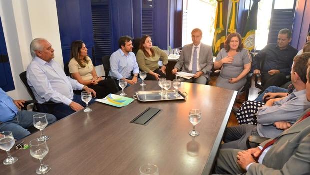 Governo discute com prefeituras consórcios sobre o meio ambiente e obras do Goiás na Frente