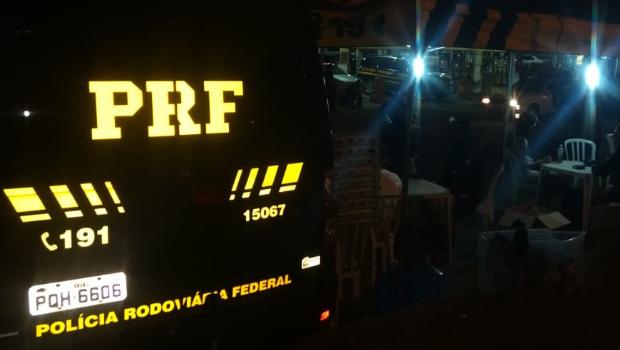 Polícia apreende CNH de 76 motoristas no Villa Mix. 13 foram detidos