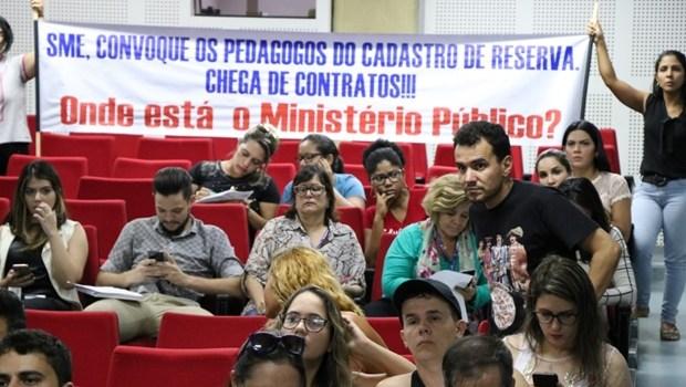 Gestão Iris descumpre TAC e ignora convocação de concursados na Educação