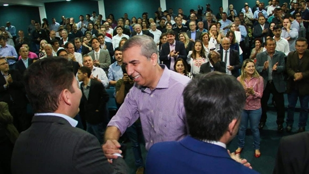 José Eliton repassa R$ 14,2 milhões do Goiás na Frente a 62 prefeituras