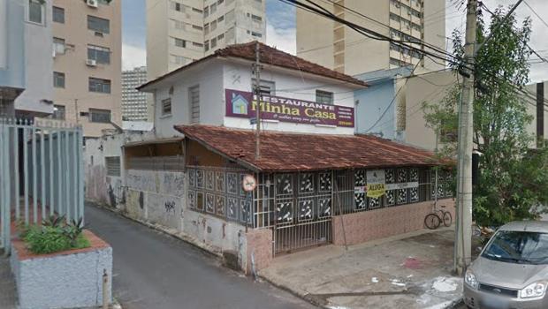 Prédio desocupado no centro de Goiânia pega fogo pela segunda vez