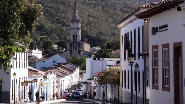 Em ação simbólica, capital será transferida para a cidade de Goiás nesta terça (24)