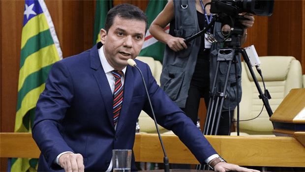 Após impasses de Caiado com servidores, Alysson Lima declara oposição ao governo