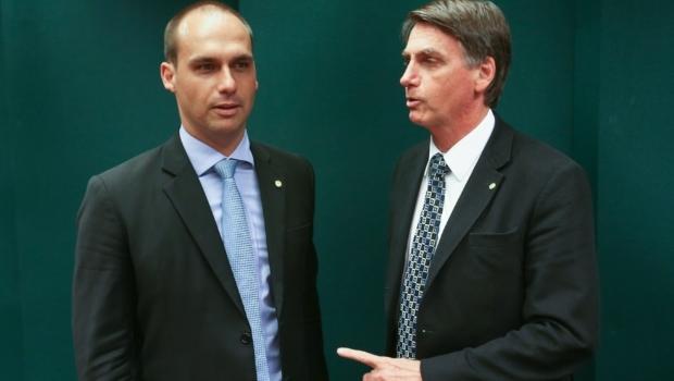 Filho de Jair Bolsonaro fala nesta segunda-feira aos empresários da Fecomércio