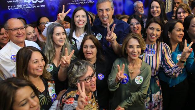 Base governista reúne 158 prefeitos goianos para receber Alckmin