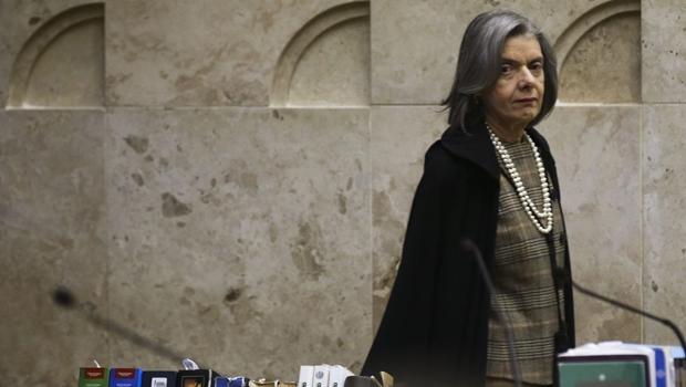 Segunda mulher a presidir STF, Cármen Lúcia deixa cargo nesta quinta