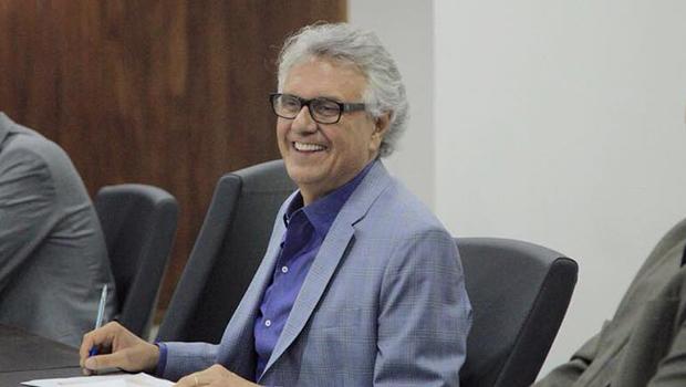 Apesar de ser oposição, deputado do PSDB diz que irá contribuir com gestão de Caiado