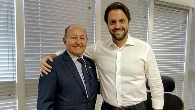 Lázaro Botelho viabiliza casas populares para municípios tocantinenses