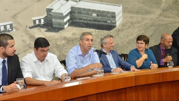 Zé Eliton recebe propostas e garante diálogo permanente com servidores públicos estaduais