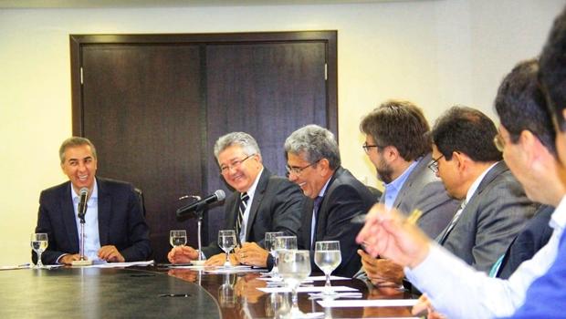 Zé Eliton apresenta propostas para micro e pequenos empresários em Goiás