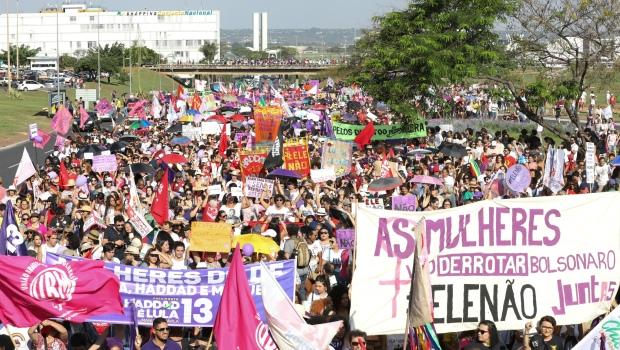 Por que Bolsonaro cresceu depois do #EleNão