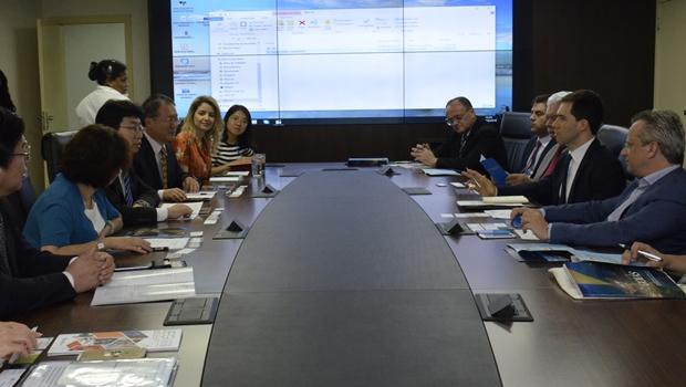 Delegação chinesa visita Goiás com foco em parcerias na área educacional