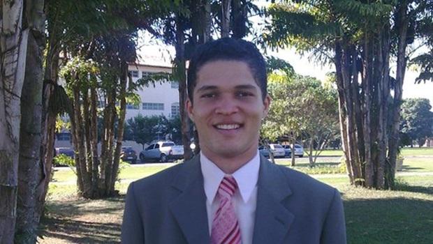 Dr. Charley Tolentino é eleito prefeito de Divinópolis de Goiás