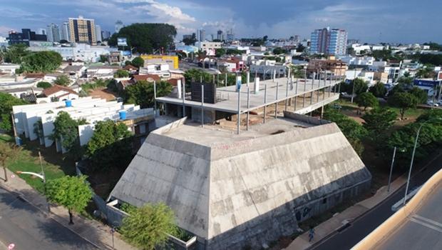 Comissão apresenta laudo para retomada de obras da nova Câmara Municipal de Anápolis