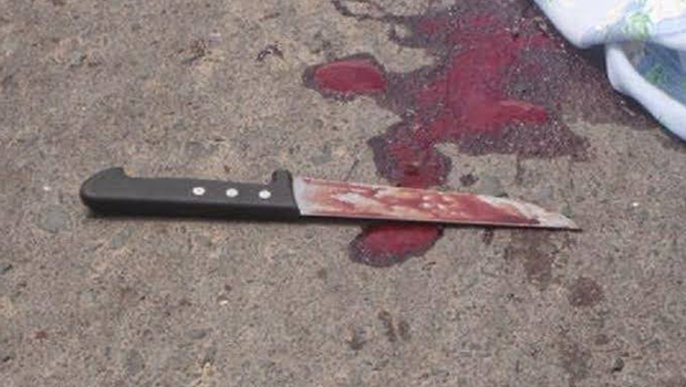 Mulher é suspeita de matar marido a facadas na frente dos filhos
