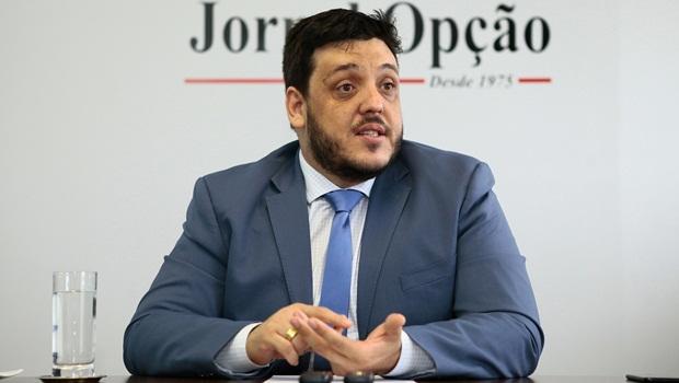 """""""Estão tentando vestir de novo o velho na campanha da OAB Goiás"""""""