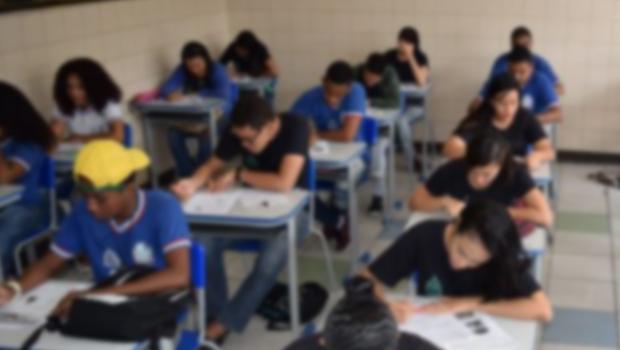 Com argumentos parecidos, deputados goianos divergem sobre Escola Sem Partido