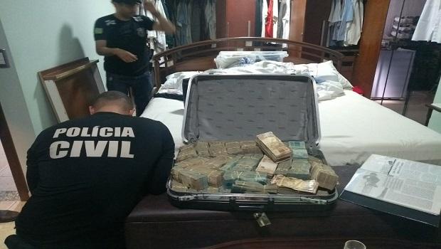 Polícia Civil apreende esmeraldas e mais dinheiro em endereços ligados a João de Deus