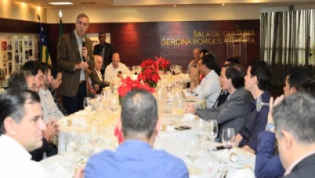 José Eliton diz que enviará relatório das ações governamentais a deputados