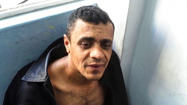 PF faz buscas em escritório de advogado do esfaqueador de Bolsonaro