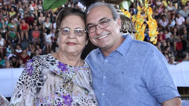 Velório de Julieta Alves Freire é marcado por emoção