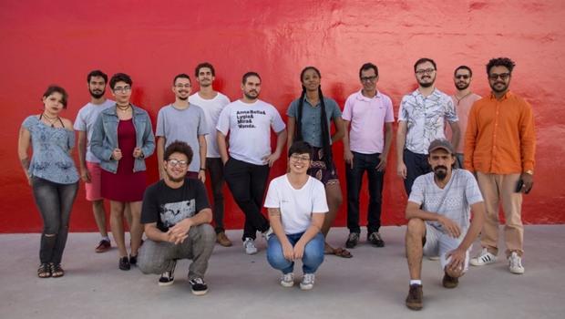 Mostra no MAC-GO reúne trabalhos de jovens após programa de residência